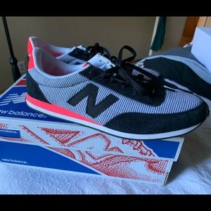New Balance 410 Sneakers (size 9) new in box